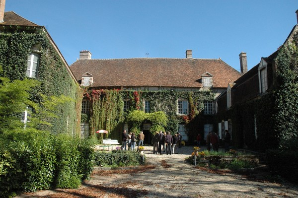 chateau-cuissy-cour-interieure
